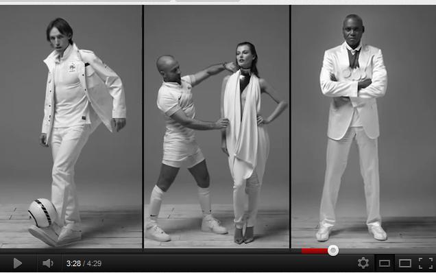carl lewis et steve nash font la promo du nouveau maillot blanc de l 39 quipe de france de foot. Black Bedroom Furniture Sets. Home Design Ideas