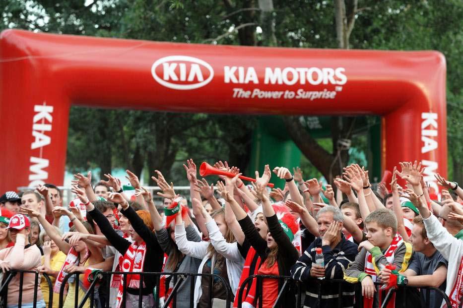 euro 2012 kia lance le kia football tour rmc. Black Bedroom Furniture Sets. Home Design Ideas