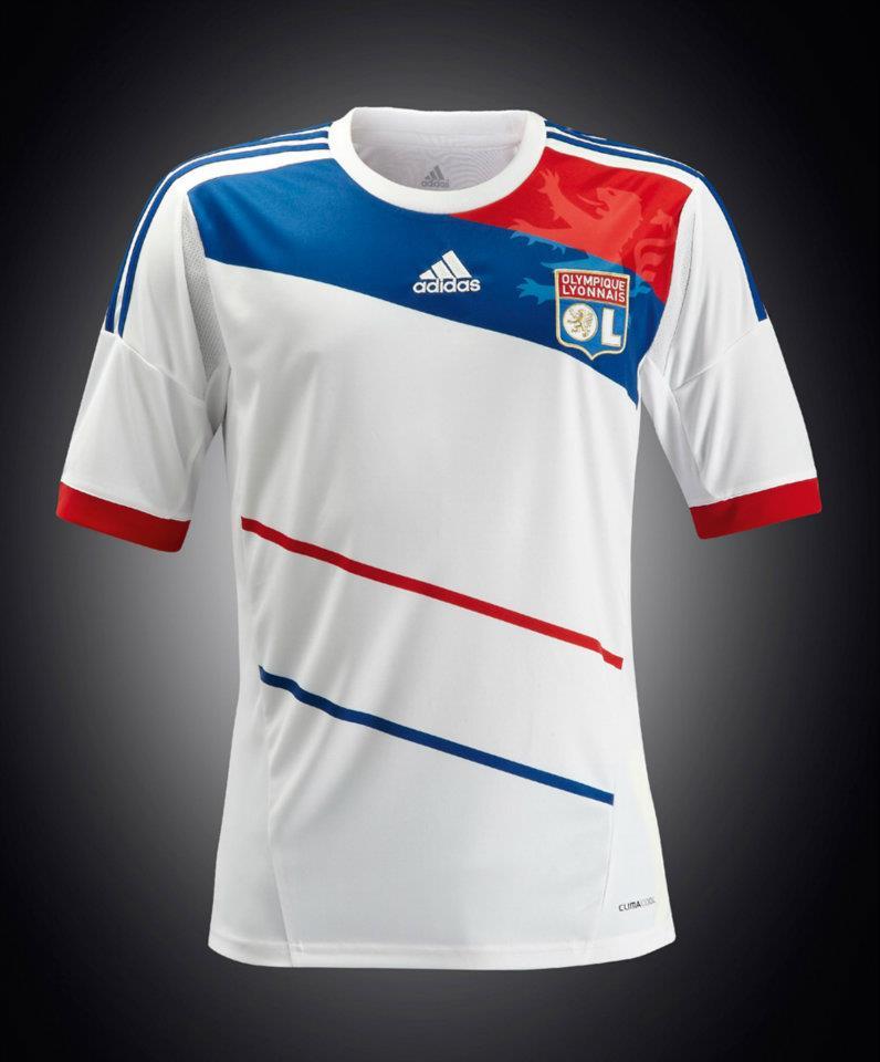 ensemble de foot Olympique Lyonnais nouveau