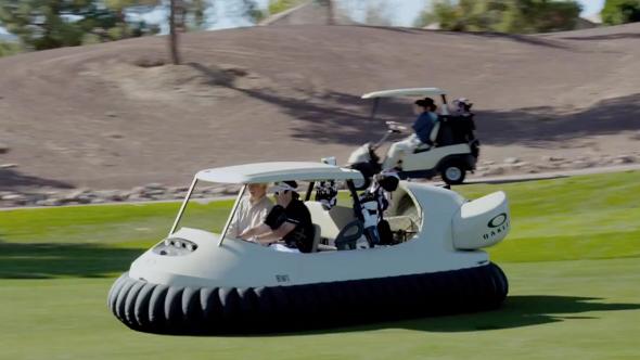 bubba watson et oakley d voilent la voiturette de golf a roglisseur. Black Bedroom Furniture Sets. Home Design Ideas