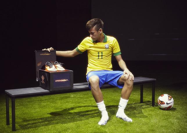 Chaussure de foot neymar