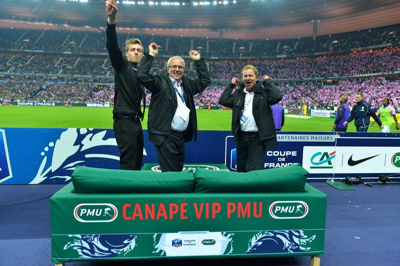 canapé VIP stade france PMU