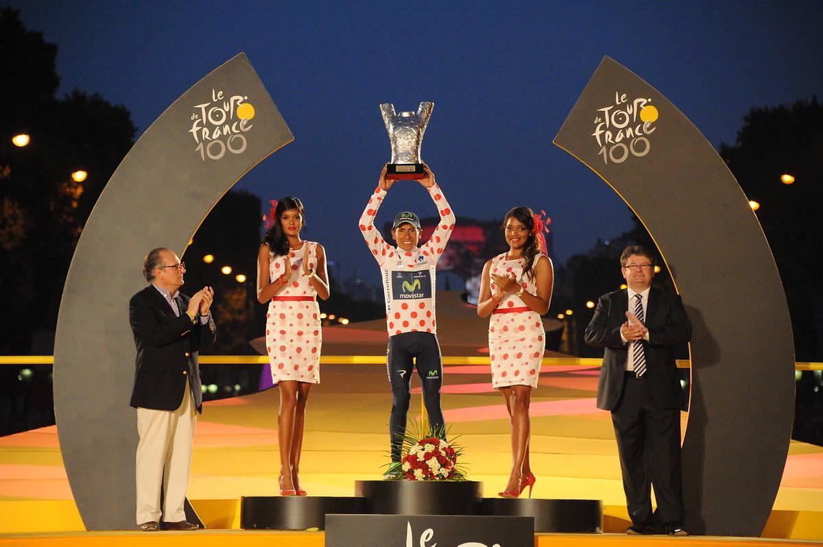 hôtesses podium Tour de France 2013 champs Elysées PMU maillot vert