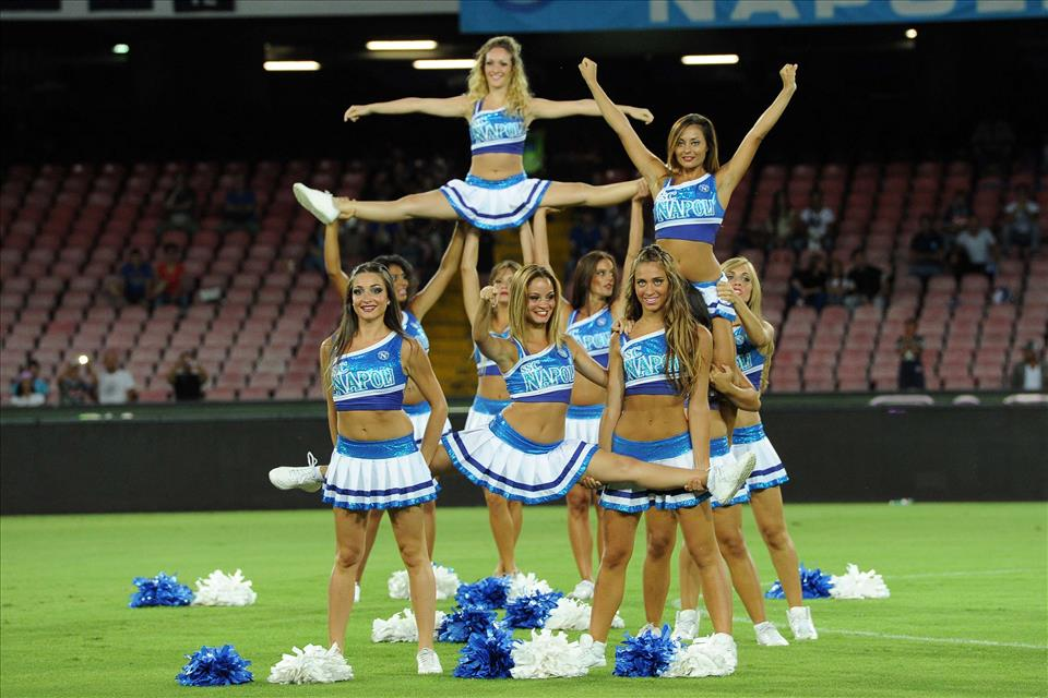 cheerleaders-sexy-napoli.jpg