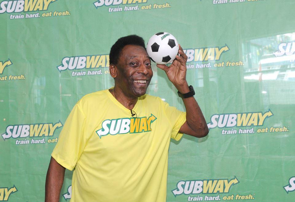 pelé subway fan