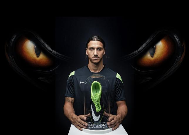 zlatan ibrahimovic Nike hypervenom Flash lime vert et noir PSG