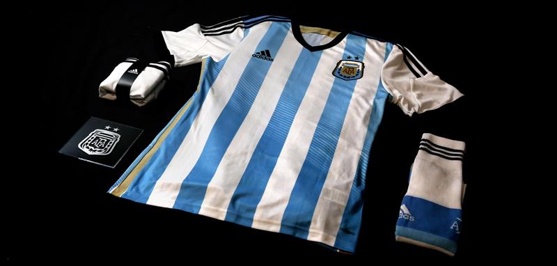 Coupe du monde 2014 nouveau maillot de l 39 argentine - Maillot allemagne coupe du monde 2014 ...